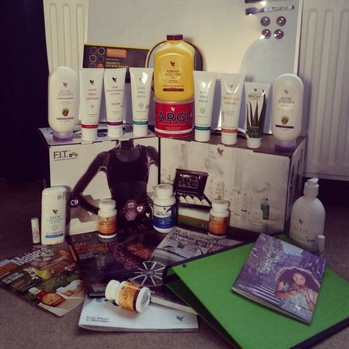 Big business order in today and new brochures and magazines have arrived for my business event. Orders Businessowner Weeklyplanning ForEveryone lauch boatyard leighonsea 9thjuly weightmanagement skincare comsmetics animalcare homecare sportsperfomace shopnow www.Forevery1.flp.com recrutingnow businesscoach contact lewiscain22@gmail.com 07728840997 recrutinginmanycounties