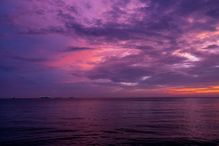 Sky purple Sea