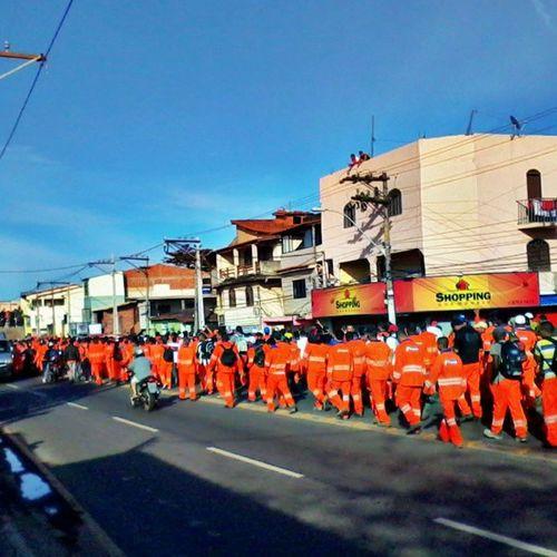 e a Manifestação dos trabalhadores começa cedo em Macaé