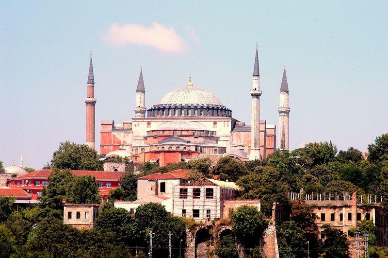 Ayasofya Cami Catedral Church Galpay Hagia Sophia Istanbul Kilise Camii Museum Müze Religious Architecture Tourism Turkey