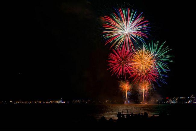 15 août La Baule Night Exploding Multi Colored Outdoors Firework Display Firework Water Reflection Sea