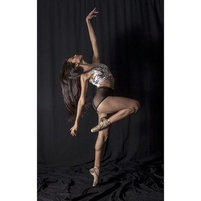 Squareinstapic 5dmarkll Canon CanonMexicana Rocafotografia Yúcatan Mimexico Luz Cámara Linda Modelo Bella Ballet Mujer Arte