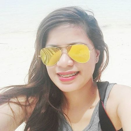 I will always have this piece of my heart that smiles whenever i think about you..😍 Boracay2015❤️ Islandselfie👌 Dailylifephotos DailyShots Rayban Happiness Travel