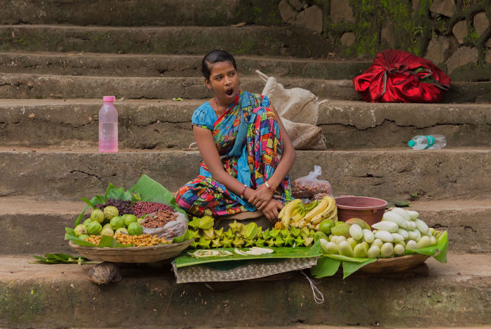 Wait Basketball Bottle Cane Cloth Customer  Day Food Fruits Girl Hardwork India Lazy National Park Satin Sell Stairs Street Vendor Yawn