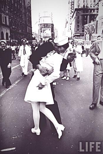 Kiss Ww2 Nurseandsailor Vintage Adorbs