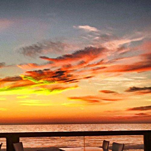 Living Bold Fontedatelha Beach Beachphotography Kailua  Sunnyday Sunset #sun #clouds #skylovers #sky #nature #beautifulinnature #naturalbeauty #photography #landscape Sunset Clouds Clouds And Sky