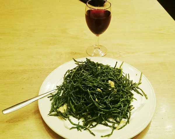 Whatsonmyplate esta noche some Saphire con Greekyogurt y un glass off Red Lambrusco Foodie Food Photography
