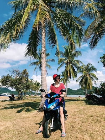 Scooter is the best thing in islands 🌴 Backpackingthailand Kohyaoyai Thailand Scooter Palm Tree Tree Two People Leisure Activity Togetherness Lifestyles Day Vacations Sky Young Adult Outdoors Young Women Happiness Enjoyment Full Length Sport Healthy Lifestyle Nature Young Men Men