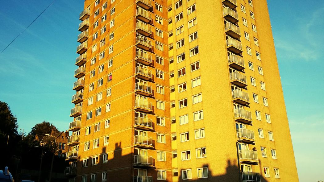 Getting Creative Even though the light and shadows were so perfect this particular afternoon I just couldn't resist that urban filter! Urban Landscape Longshadows Sunny Flats Creative Light And Shadow Rooftops Happyvalleysowerbybridge Blue Sky Twilight
