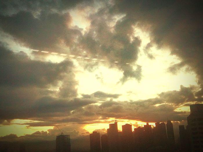 6inthemorning Sunrise Startoftheday Tranquility Peacful Day Harmony Livefully