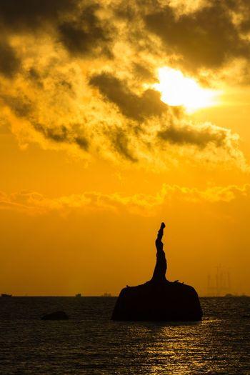 Sunrise Sky Water Sea Orange Color Cloud - Sky Sculpture No People Beauty In Nature Outdoors