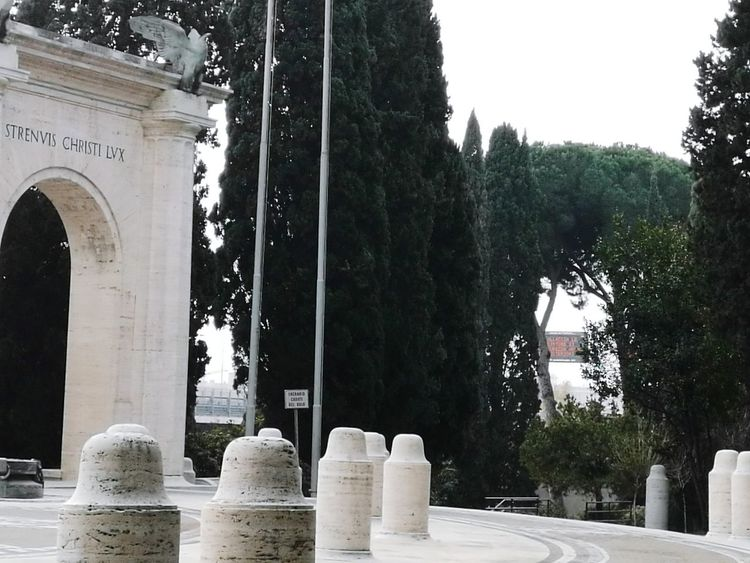 Archival Tree War Memorial Fountain No People Day Outdoors Sky Moving Around Rome