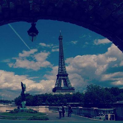 Обожаю париж.:3