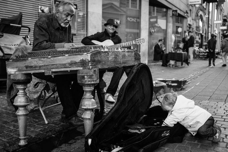 The thief. Streetphotography Blackandwhite Kid