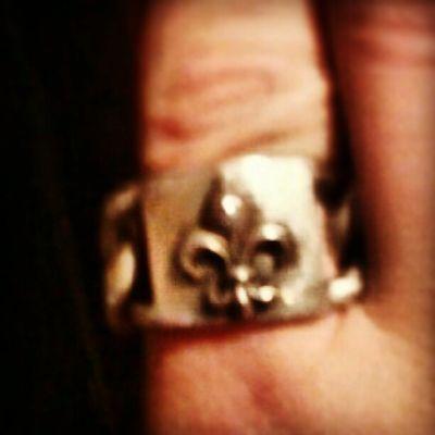 My pretty new ring! Lovemylife Fleurdelis Fun Jewelry Hotmess
