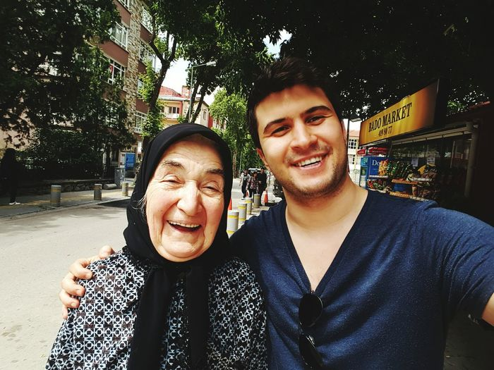 Secimkafası That's Me And grandma Awesome! Voted! Smilerforever Grandmother Need More Space Instacart Instacurt