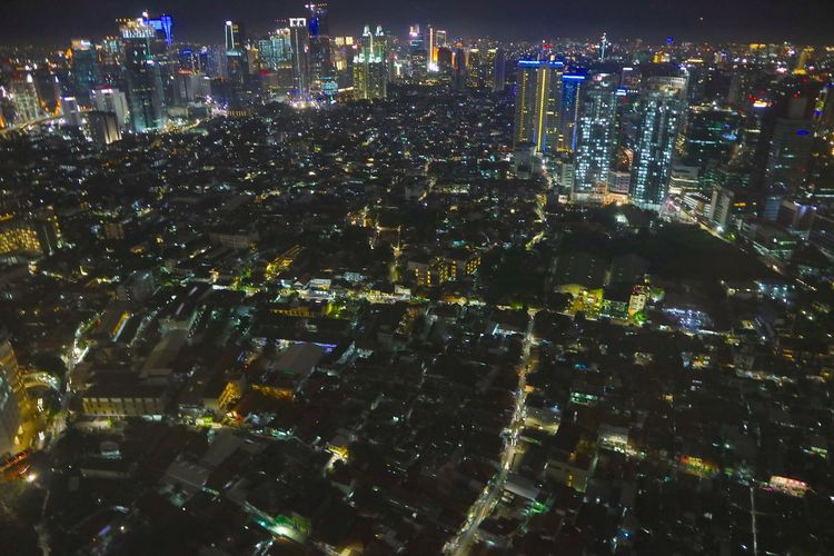 Sights on Saturday, 18/03/2017, in one way Prof Dr Satrio. AXA Tower,. Karet Kuningan. Setiabudi. taken from the top corner of the map shows the bustle and hustle on long holiday period, from Friday to Sunday night. Jakarta City City Life Cityscape High Angle View Illuminated Jakarta Landscape Metropolis Metropolitan Night Nightphotography No People Outdoors Urban Skyline Urbancity Urbancityscape Jakarta Indonesia Flying High