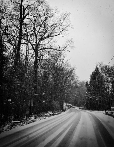 Driving In The Snow Winter Driving Winter Winter Weather Driving Snow Driven Riding In The Car Driving Around On The Road Drive Travel Black And White Photography On The Way Snow Sports Transportation Hazardous Diminishing Perspective Motion Showcase April Dreary Black And White Up Close Street Photography Quiet Nature's Diversities The Drive Welcome To Black Welcome To Black Black And White Friday Be. Ready. Shades Of Winter An Eye For Travel