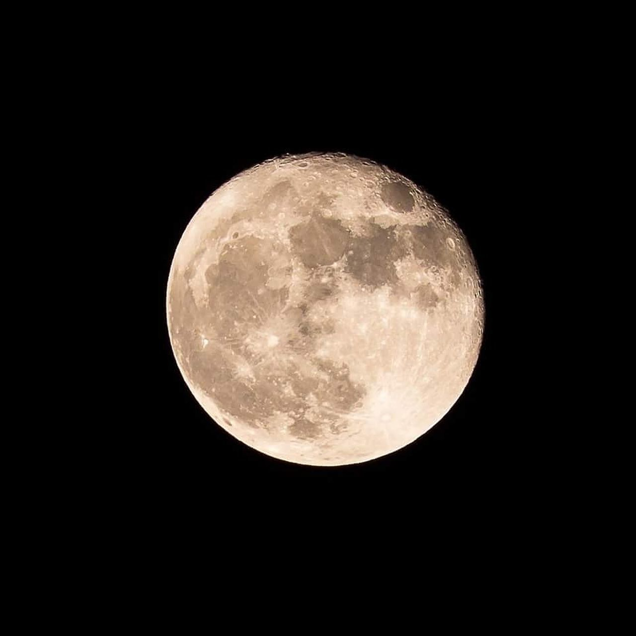 night, moon, astronomy, full moon, moon surface, majestic, planetary moon, beauty in nature, nature, scenics, no people, space exploration, tranquility, low angle view, space, outdoors, moonlight, close-up, black background, clear sky, sky, satellite view