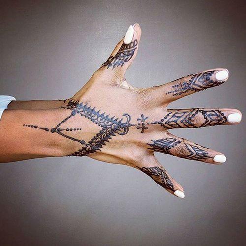 Because it's her day @domsol72 💯👑♐ Henna HennAbAngher HennAddicts HennAmuseOriginAl ArrOwsuP♐