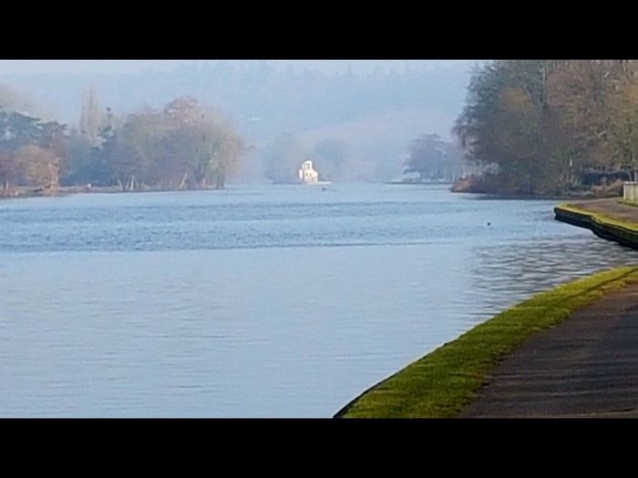 Riverside views temple island henely on Thames 7847997