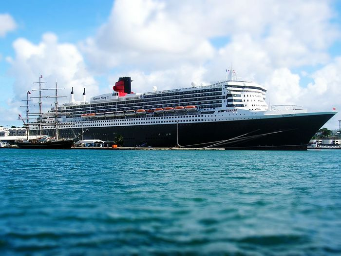 Queen Mary 2 . Queen Mary 2 Martinique Paquebot Ship