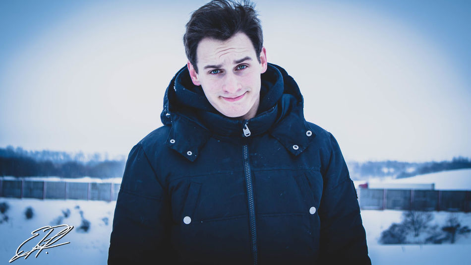 Guy Only Men Snow Cold Temperature Warm Clothing Men Portrait One Person People Day Outdoors Growth Atmosphere Daydreaming Lightroom Canon DSLR Raw Snowing Frozen Winter Headshot Home View Happy