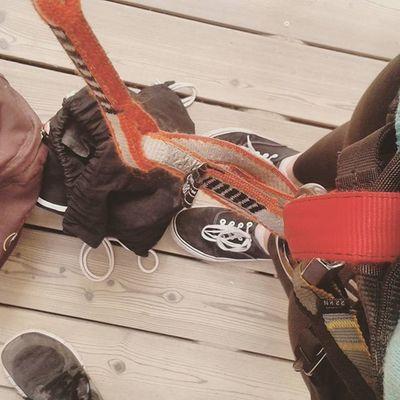 Heute nochmal Klettern gewesen Anstrengungpur Mitmuskelkaterkletternistkrass Liosnapshot Kletterwaldibbenbüren Kletterwald Ibbenbüren Freunde Mutig Blaueflecken Fun Sport Risikostrecke Climbing Sporty