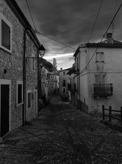#roccacaramanico #Italy #myabruzzo #whatitalyis #igersItaly #abruzzo #travel #blackandwhitephotography #iphone7