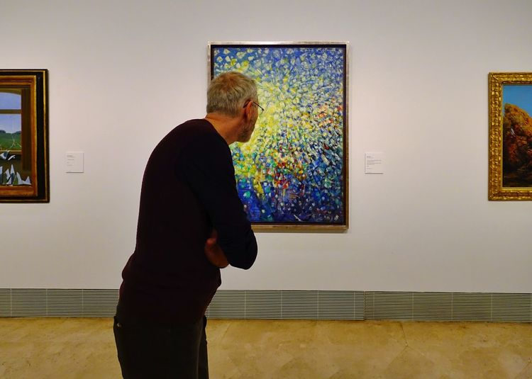 One Person Looking Indoors  Standing Adult Museum Madrid Thyssen Bornemisza Museum Masterpiece Oil Painting Art ArtWork Modern SPAIN Posing Visiting Visiting Museum Three Quarter Length Paintings Men Art Museum Exhibition Watching Males  Art And Craft Painted Image Modern Art Brush Stroke Painter - Artist Artist's Canvas