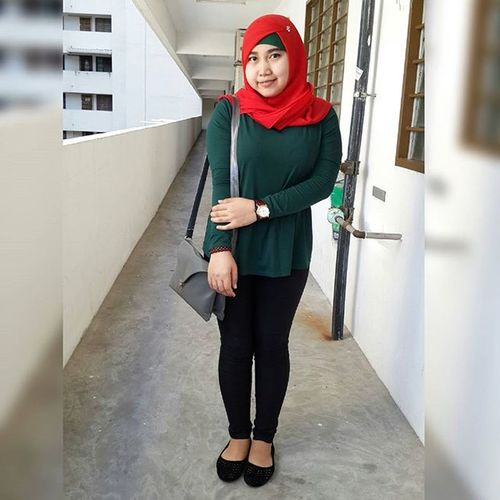 Feel fresh Lookoftheday Hijab Simplestyle Simplehijab Red Paddinistore Latespost Enjoy Nofilter