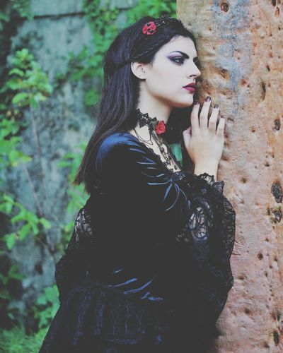 Beatriz. Fashion One Person Only Women Adults Only People One Woman Only Portrait Beauty Adult Beautiful Woman Arts Culture And Entertainment Beautiful People Young Women Day Gothic Style Gotica Suave Photooftheday
