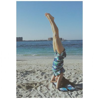 When things work out it's the definition of bliss yes 🙌 Woop Headstand 2015
