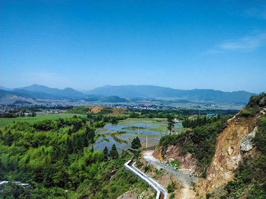 ThousandMilesJourney.com Travelaroundtheworld Travel Travelgram China Hunan Backpacking Sunset Sunsets Sunsetsaroundtheworld ASIA Nature Landscapes