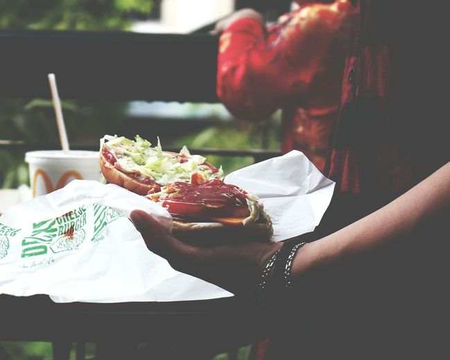 Hamberger Eating Healthy Lifestyle Lifestyles Leisure Activity Healthy Eating Food Food And Drink City Meal Outdoors Adult People Friendship Togetherness Adults Only Young Women Day Human Body Part Human Hand Macdonalds Vietnam Nguyenhuewalkingstreet
