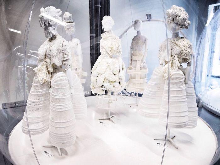 White drama Comme Des Garcons White Master Piece IFM