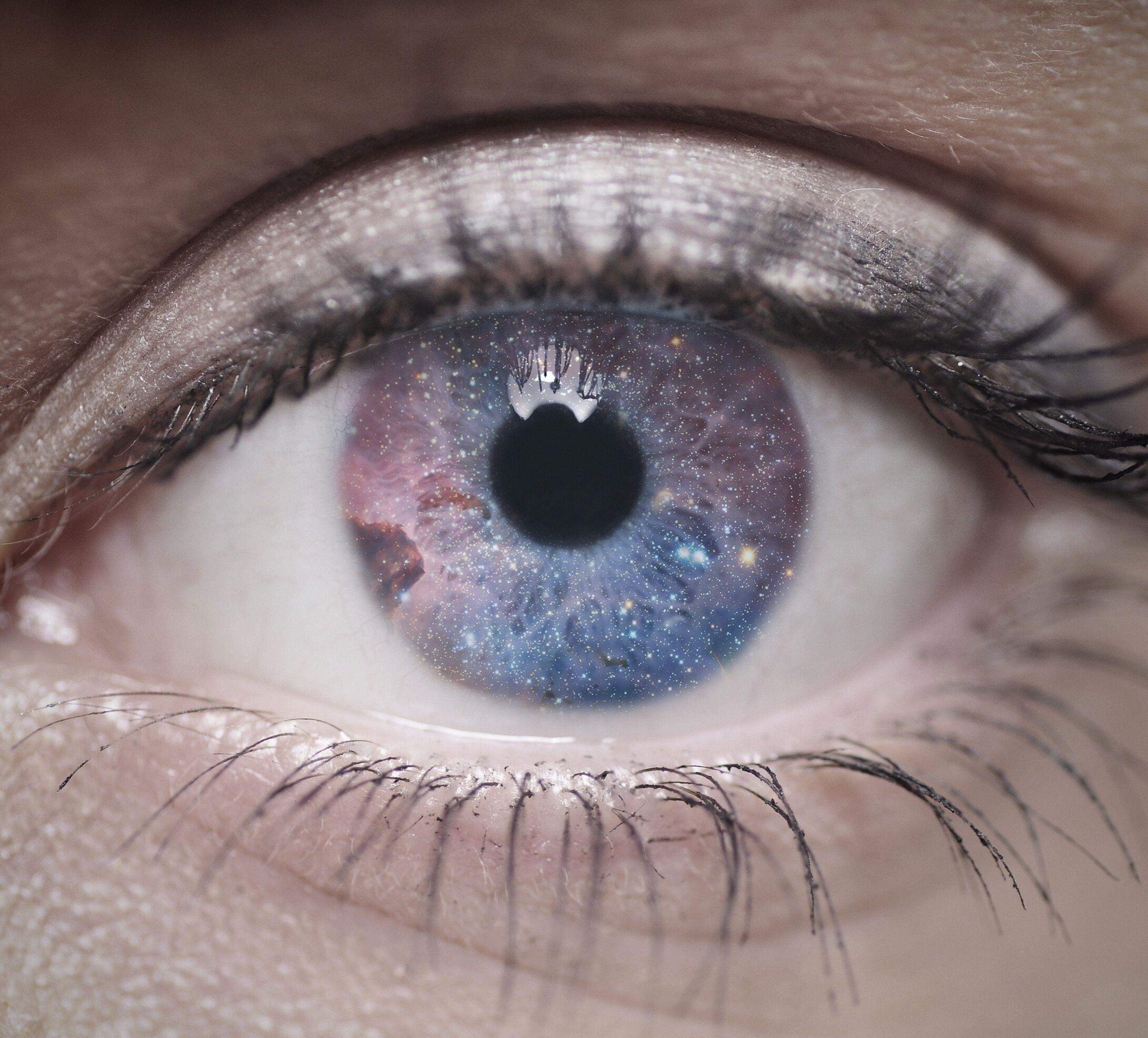 human body part, human eye, eyesight, close-up, eyelash, extreme close-up, iris - eye, looking at camera, eyeball, one person, sensory perception, people, adults only, beauty, adult, one woman only, outdoors, day