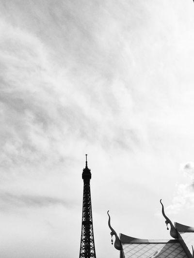 quand la thailande se reunit a paris. Thailand Paris Tour Eiffel Bnw_paris