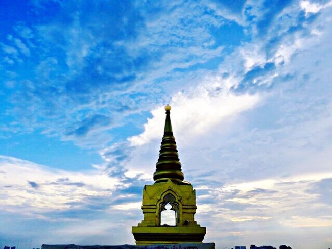 Feeling Beautiful Buddha Thailand Religion Cloud - Sky Nature Beauty In Nature Temple Eyemtravel Sky Architecture No People Lost In The Landscape