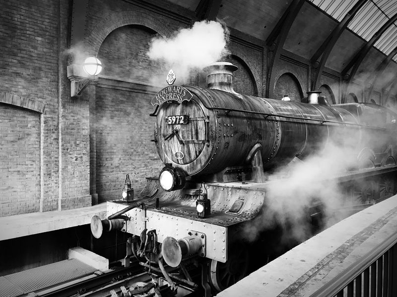 ❤️ Harry Potter Black And White Harrypotter Train Orlando Hogwarts Express Hogwarts Indoors  Smoke - Physical Structure Steam Train Train - Vehicle No People