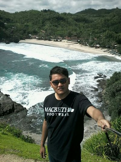 Traveling Travelingindonesia Starting A Trip Peoplephotography Holiday Beach Beach LifeBut first