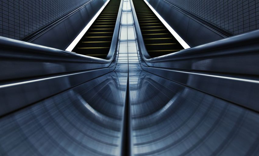 Envision The Future Escalator EyeEm Best Shots Japan EyeEm Gallery EyeEm Best Edits EyeEmBestPics EyeEm Eyeemphotography My Favorite Photo Architecture Architecture_collection The Portraitist - 2016 EyeEm Awards Building Interior Design Blue