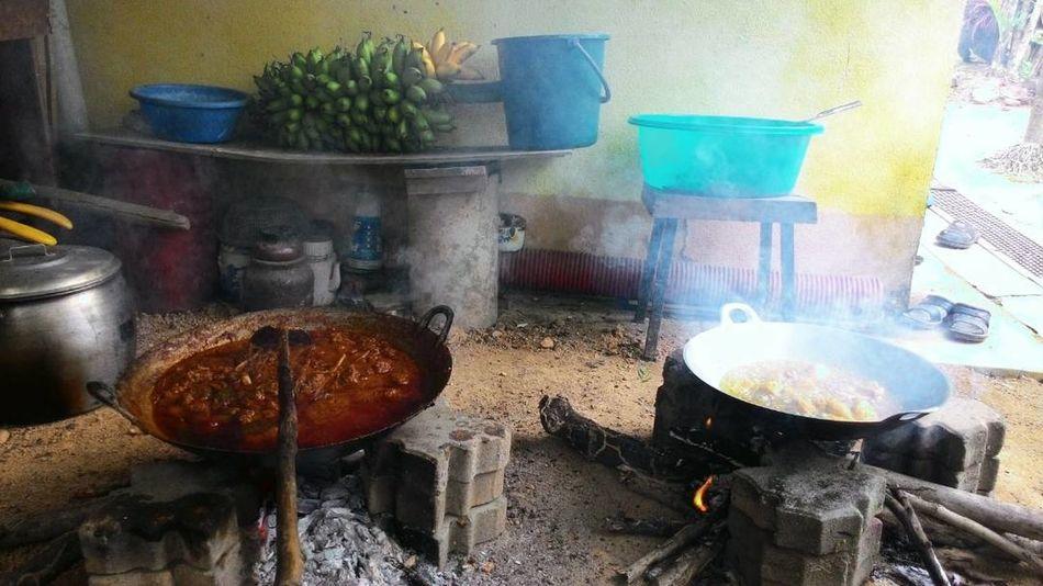 kenduri Kenduri Kampung Rewang Gotongroyong Klasik Classic Cultures Malaysia Selangor Bangi Oldschool Oldstyle Food Preparation  Food And Drink Stove Domestic Kitchen Preparing Food