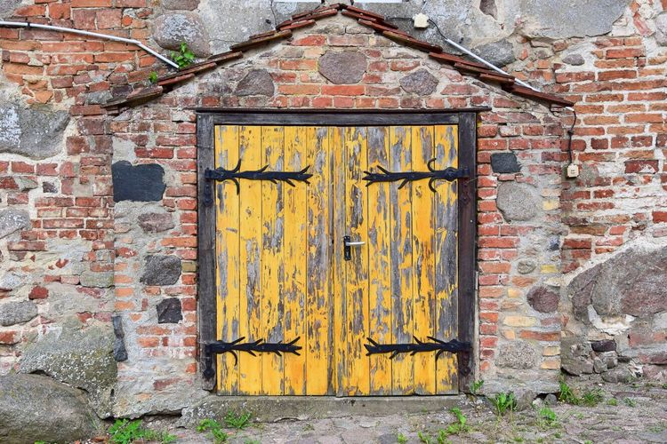 Architecture Badingen (Gransee, Zehdenick) Brick Wall Building Exterior Built Structure Close-up Day Detail Door Festes Haus Historical Building Multi Colored No People Old Buildings Outdoors So Called Solid House Wall - Building Feature Weathered Yellow
