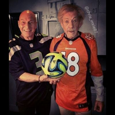 Can always count on Britain's noble knights to guve us a god chuckle haha Sir Patrick Stewart and Sir Ian McKellan are legends Xmen DaysOfFuturePast Marvel Marvelcomics Superbowl SuperbowlSunday Football Denver Broncos  Denverbroncos Seattle Seahawks Seattleseahawks