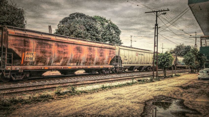 Train Taking Photos Afternoon Amazing KnowMe