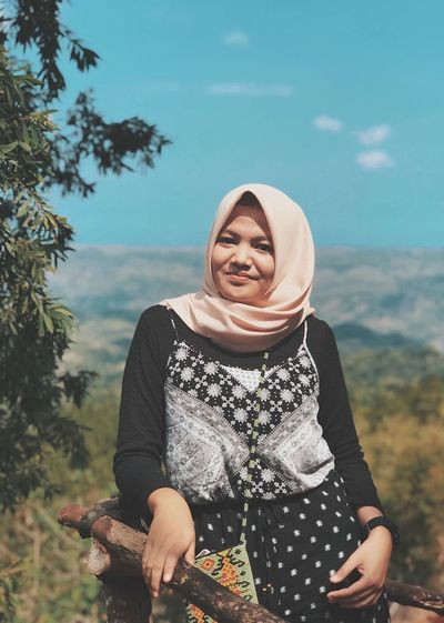 Beautiful Girl Beautiful IPhone7Plus INDONESIA Yogyakarta Iphonesia Iphonecam Bayumh94 VSCO Vscocam Smiling One Person Women Front View Leisure Activity Lifestyles Real People