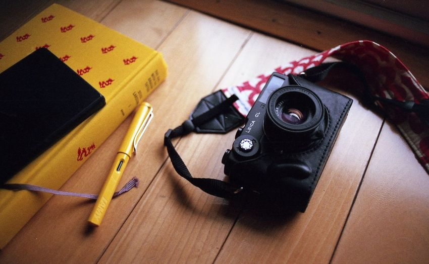 35mm 35mm Film Books Film Camera - Photographic Equipment Close-up Day Film Camera Film Photography Fountain Pen High Angle View Indoors  Leica No People Still Life Table Technology Wood - Material