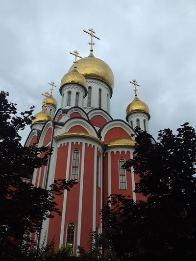 Dome Architecture Religion History No People Looking At Camera Russia Crosses Domes Shrine Church Tower Church Architecture Church Sanctuary In The City Sanctuary  Fane Tample EyeEm Best Shots Built Structure Gold Colored Cloud - Sky Travel Destinations EyeEm EyeEm Gallery Russia россия