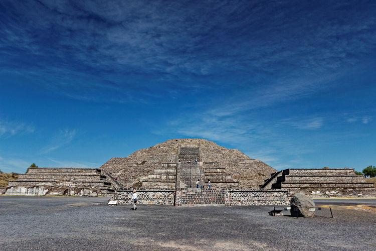 Pirámide de la Luna Ancient Architecture Aztecs Blue Building Exterior Built Structure Historic History Piramide De La Luna Piramids Pirámides De Teotihuacan Ruins Architecture Sky Travel Destinations Prehispanic PrehispanicEra Prehispánico  Connected By Travel